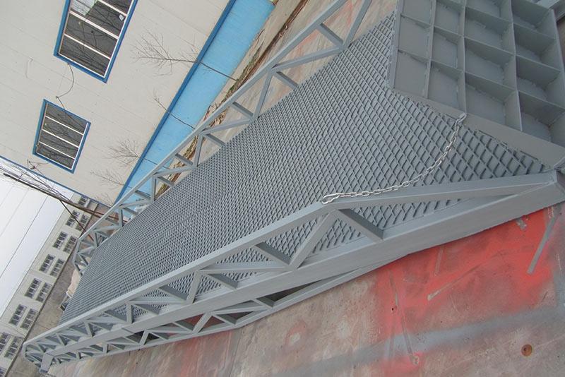 折叠式液压登车桥