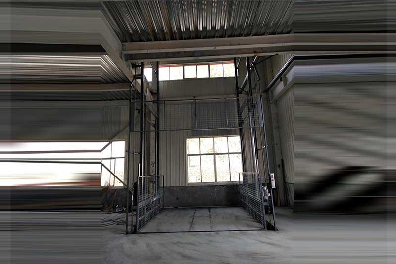 轨道式升降货梯